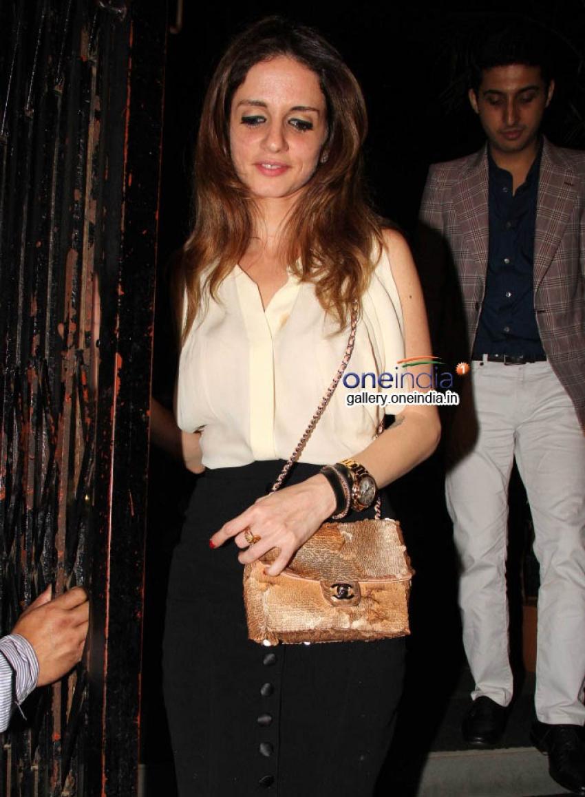 Sussanne, Sidharth Malhotra, Arpita Khan snapped at Bandra Photos