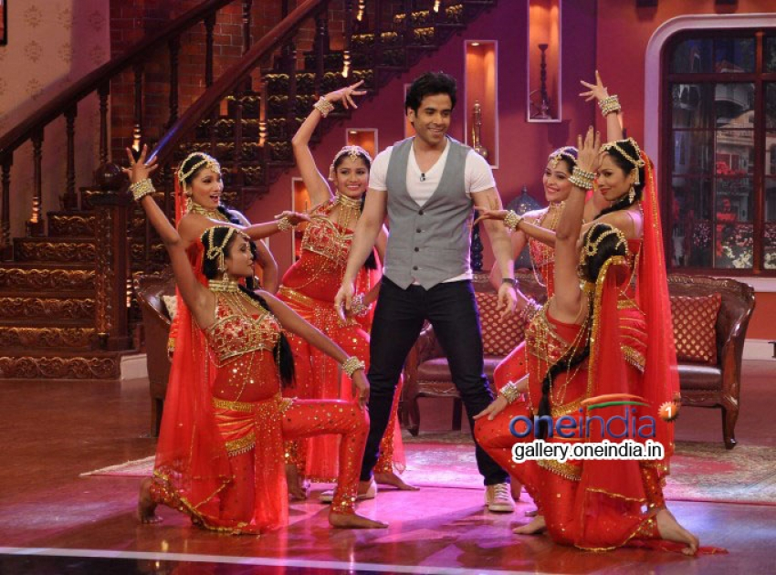 Jeetendra and Tusshar on the sets of Comedy Nights With Kapil Photos
