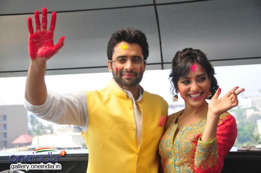 Youngistaan Starcast Celebrates Holi Photos