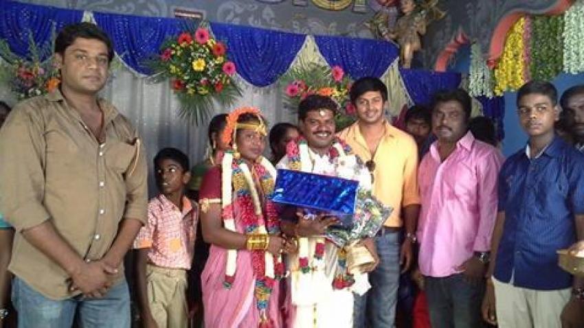 Aadukalam Murugadoss Marriage Photos