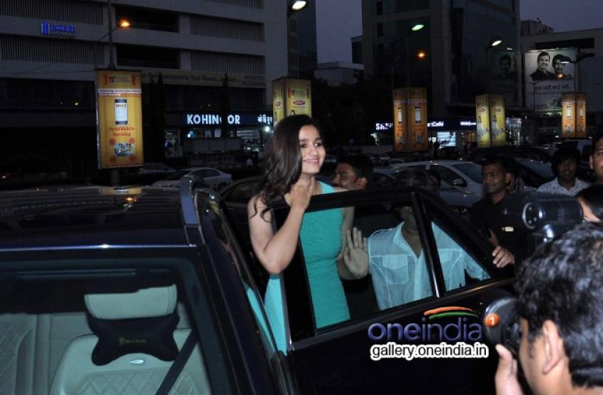 Arjun Kapoor and Alia Bhatt promote 2 States at PVR Andheri Photos