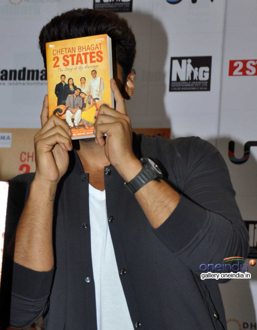 Arjun and Alia at the book cover launch of 2 States Photos