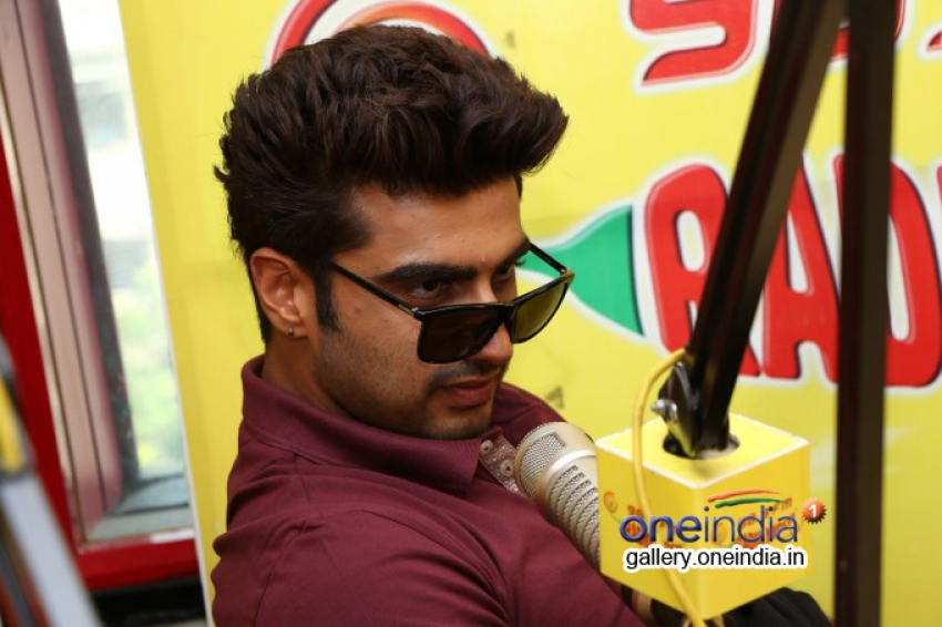 Arjun Kapoor and Alia Bhatt promote 2 States on Radio Mirchi Photos