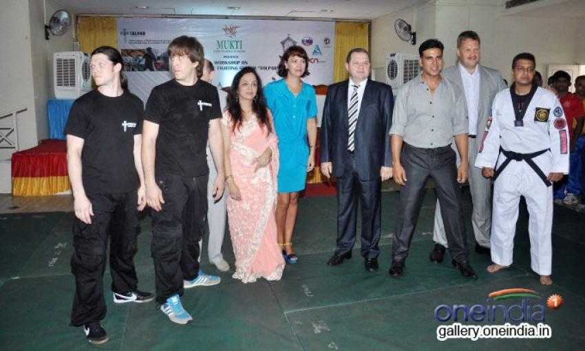 Akshay Kumar launch Tolpar Knife Training & unarmed combat training session Photos