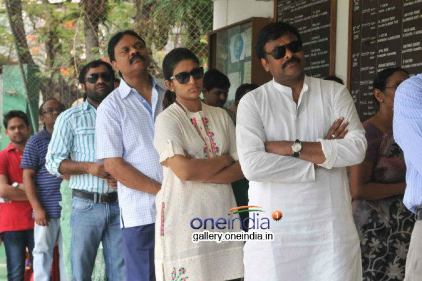 Telugu celebs Vote for Lok Sabha Election 2014 Photos