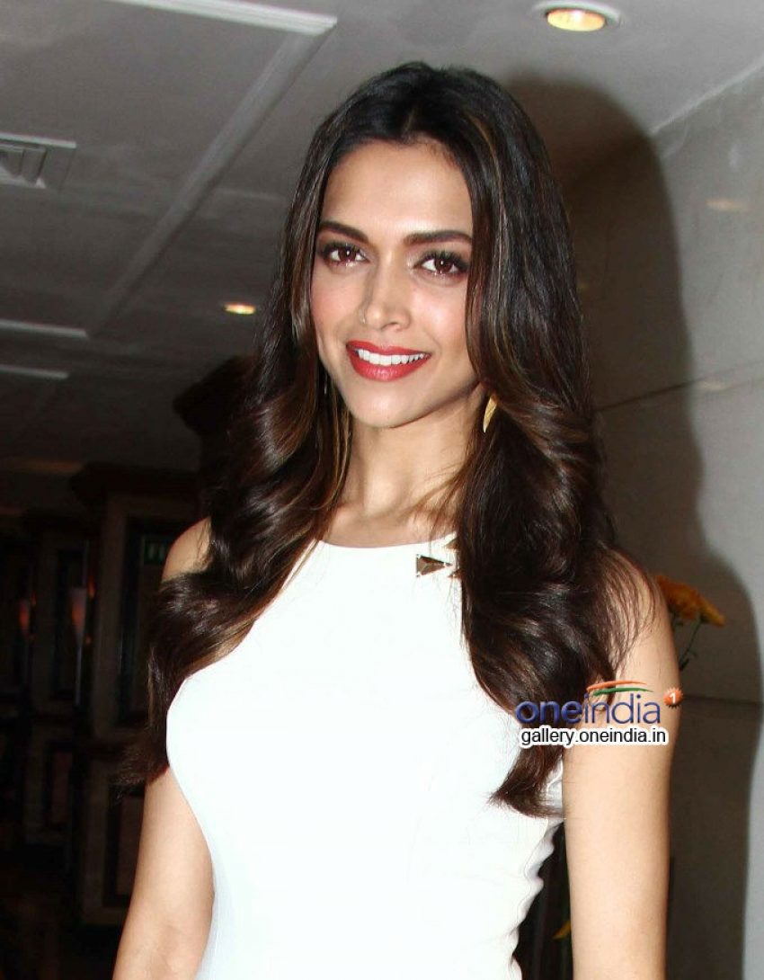 Deepika Padukone launches Van Heusen Spring Summer 2014 limited edition collection Photos
