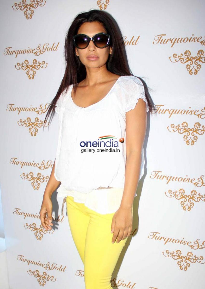 Malaika Arora launches Turquoise & Gold store Photos