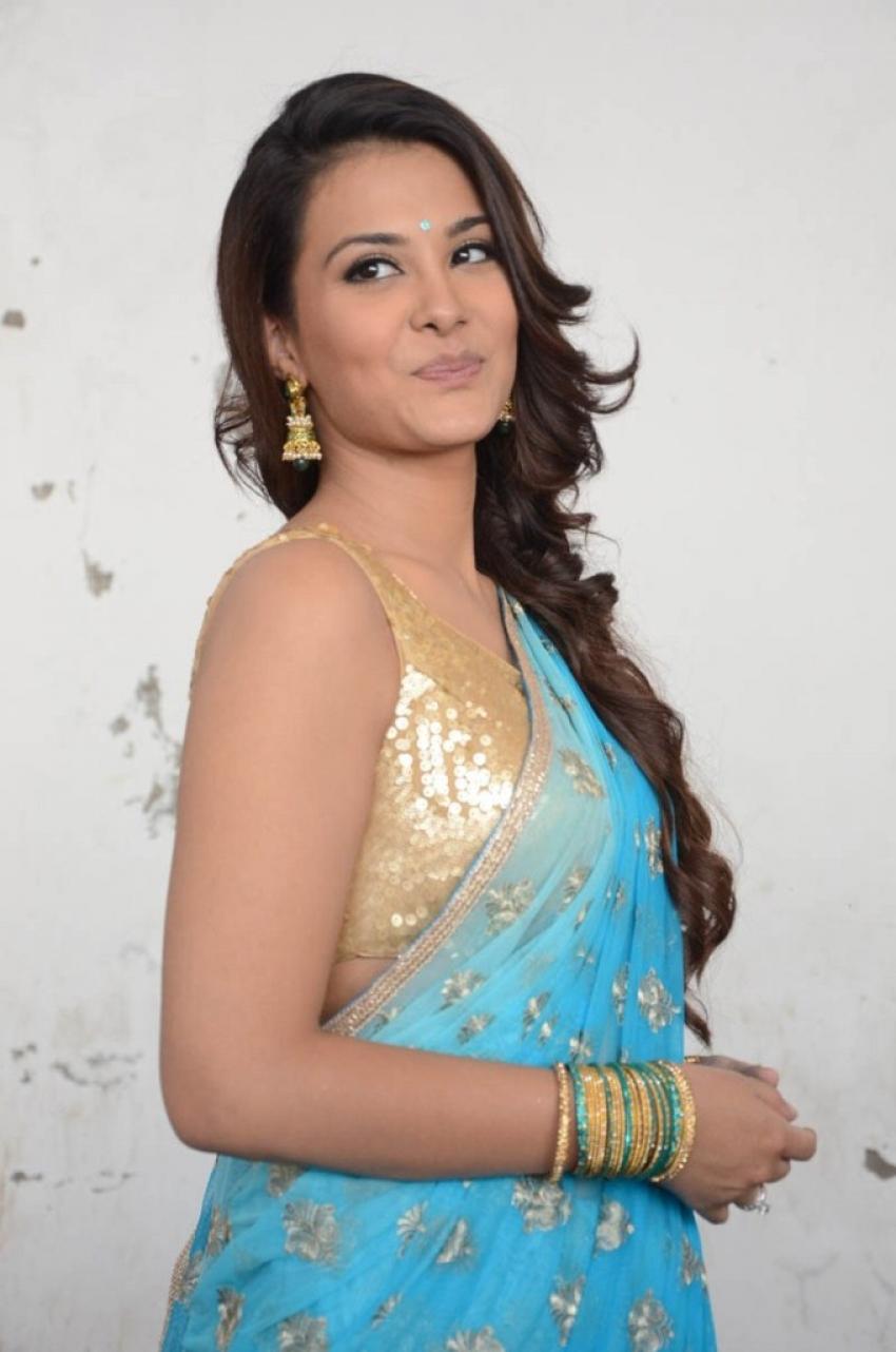 Najiya Photos