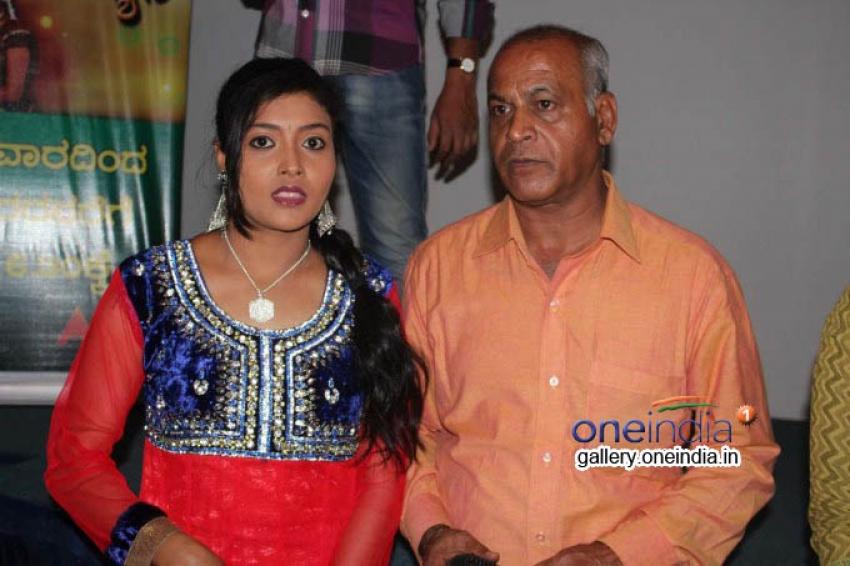 Radha Kalyana Serial 700 Episodes Celebration Photos