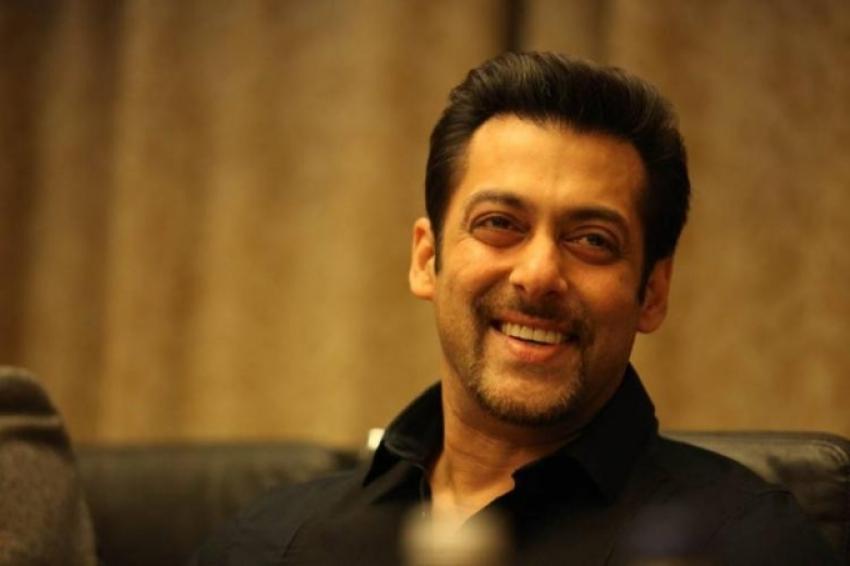 Salman Khan, Jacqueline and Randeep attends Kick film press conference Photos
