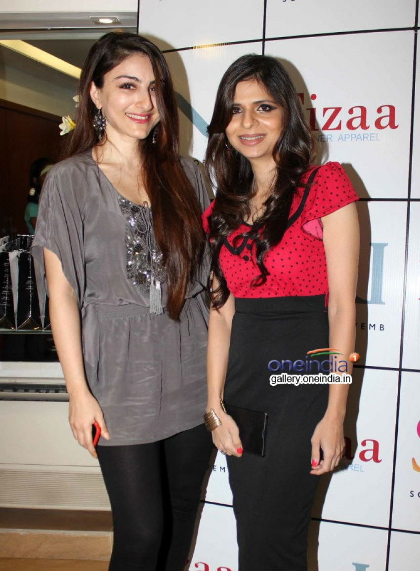 Designer Sonya Vazifdar's new collection launch Photos