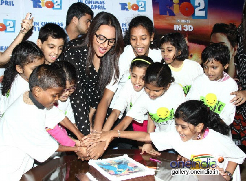 Sonakshi hosted special screening of Rio 2 for Smile NGO Kids Photos