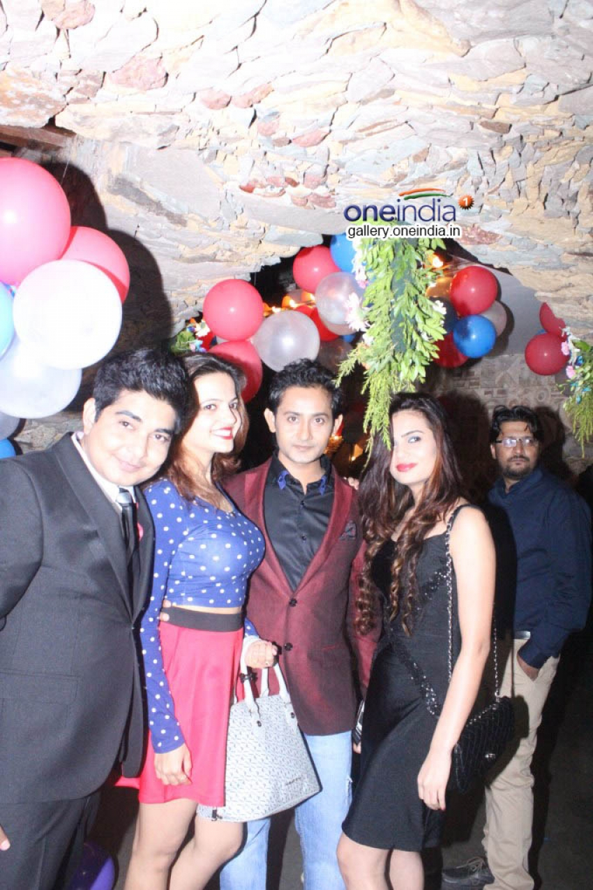 TV actor Aanchal Munjal's Birthday Celebration Photos