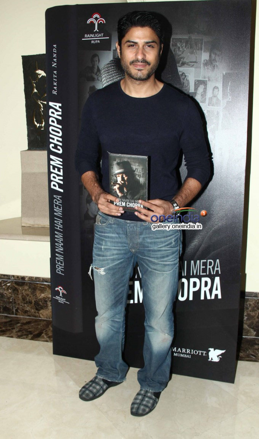 Big B and Akshay At Prem Chopra's Autobiography Launch Photos