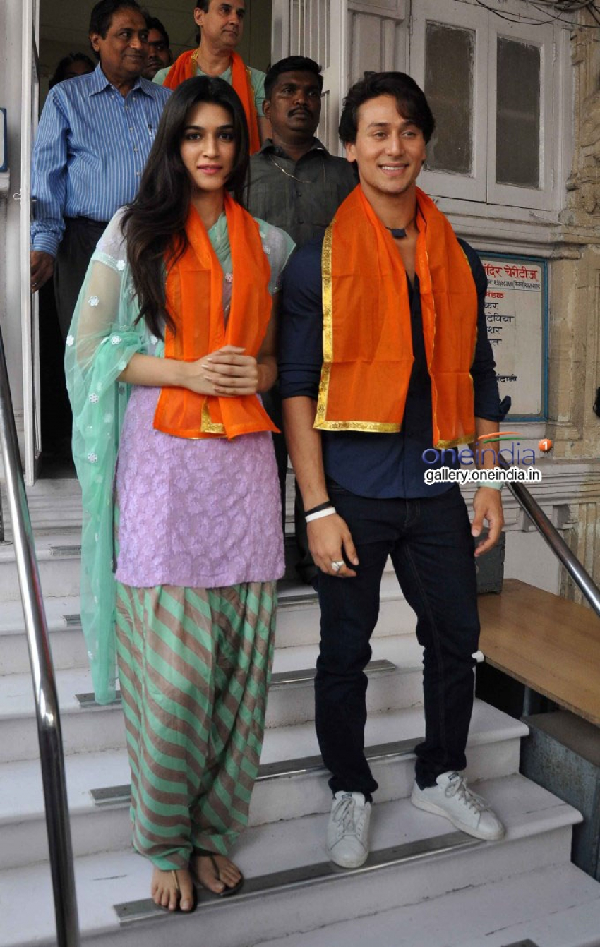 Tiger Shroff and Kriti Sanon visit Babulnath temple Photos
