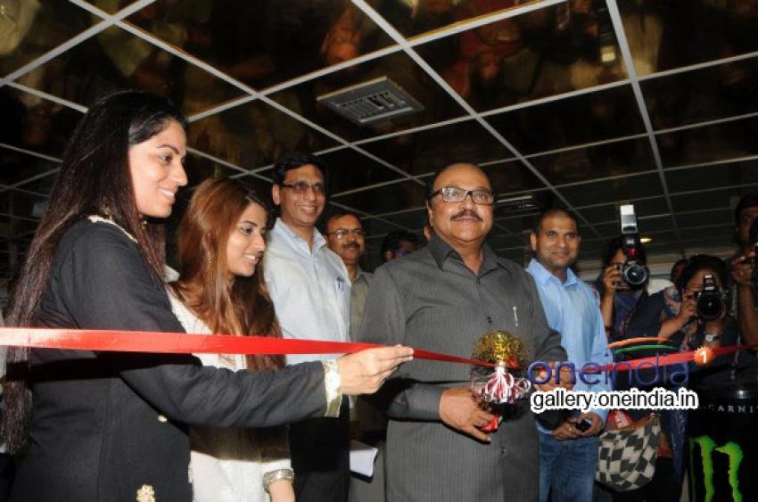 Floating Restaurant AB CELESTIAL Now in Mumbai Photos