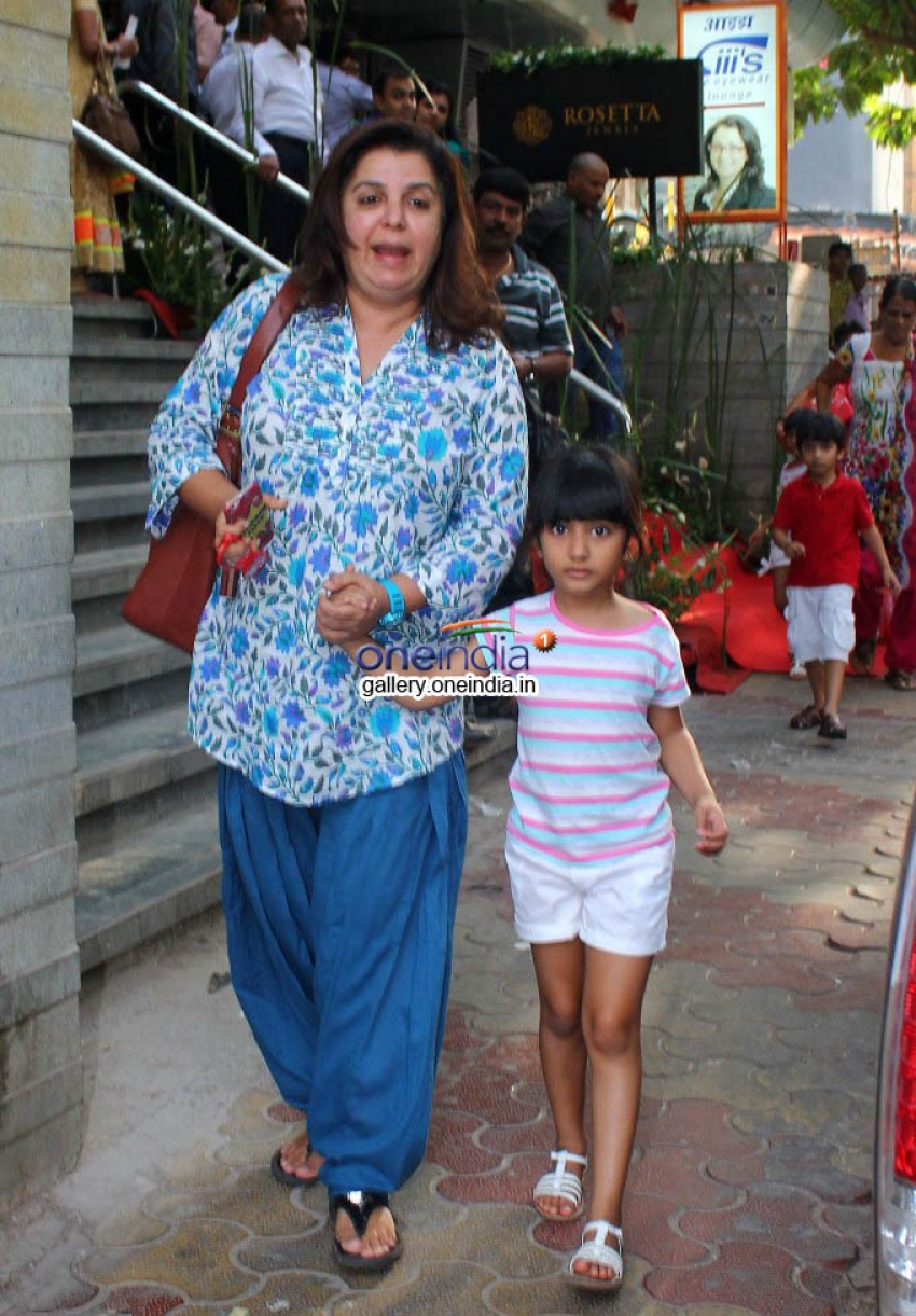 Farhan Khan Snapped with kids at Bandra Photos