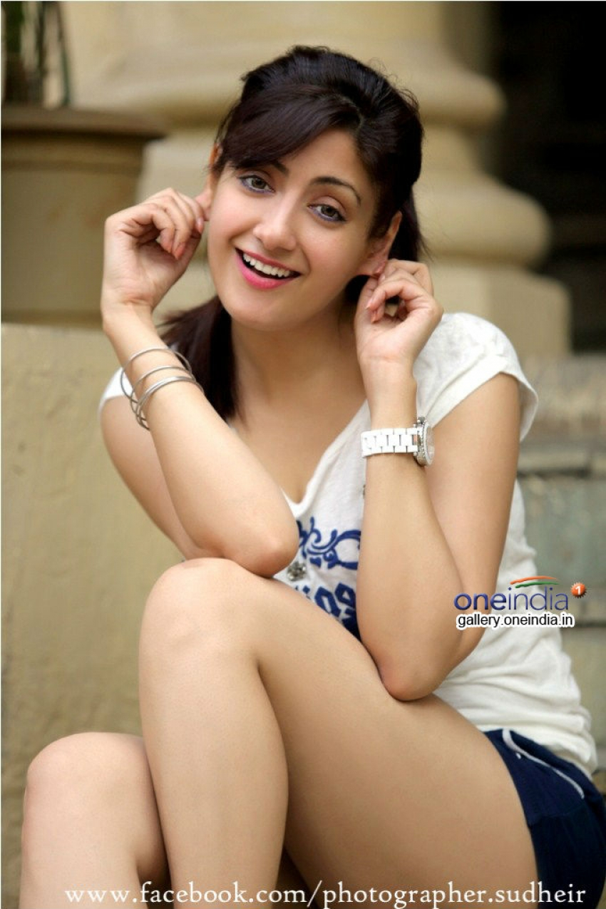 Gurlin Chopra Photos