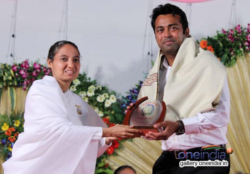 Subhash Ghai and Leander Paes at Brahma kumaris decennial celebration Photos