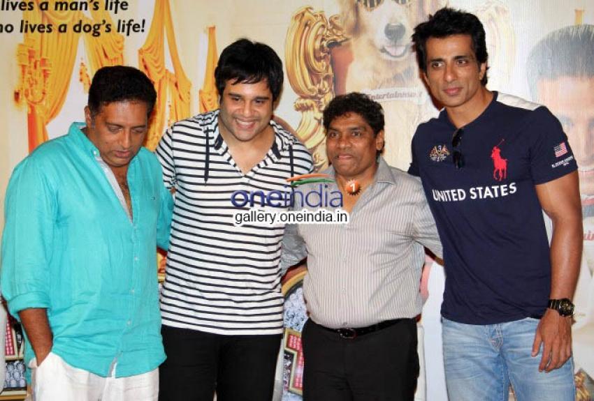 Akshay Kumar's It's Entertainment Trailer Launch Photos