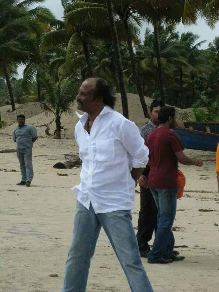 Rare and Unseen pictures of Rajinkanth Photos