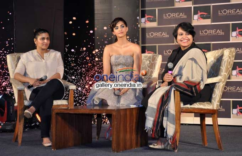 Sonam Kapoor unveils of L'Oreal Paris Make-Up collection Photos