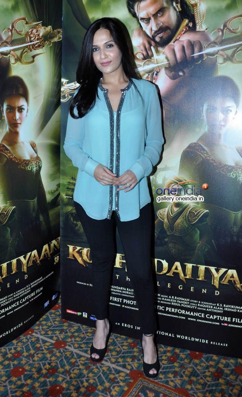 Soundarya R Ashwin promotes Kochadaiiyaan Photos