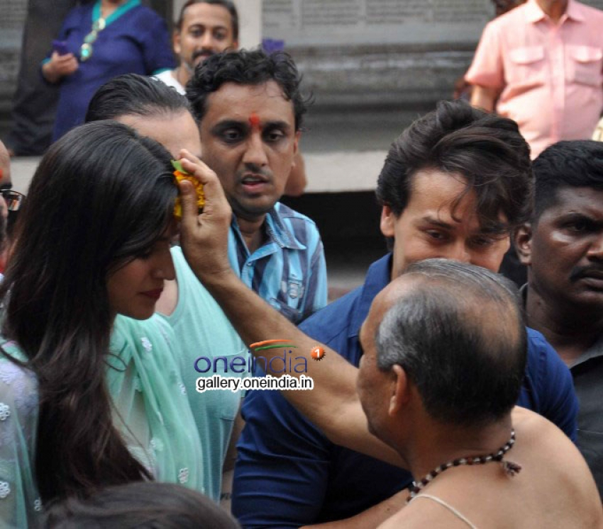 Tiger Shroff and Kriti Sanon visit Babulnath temple Photos