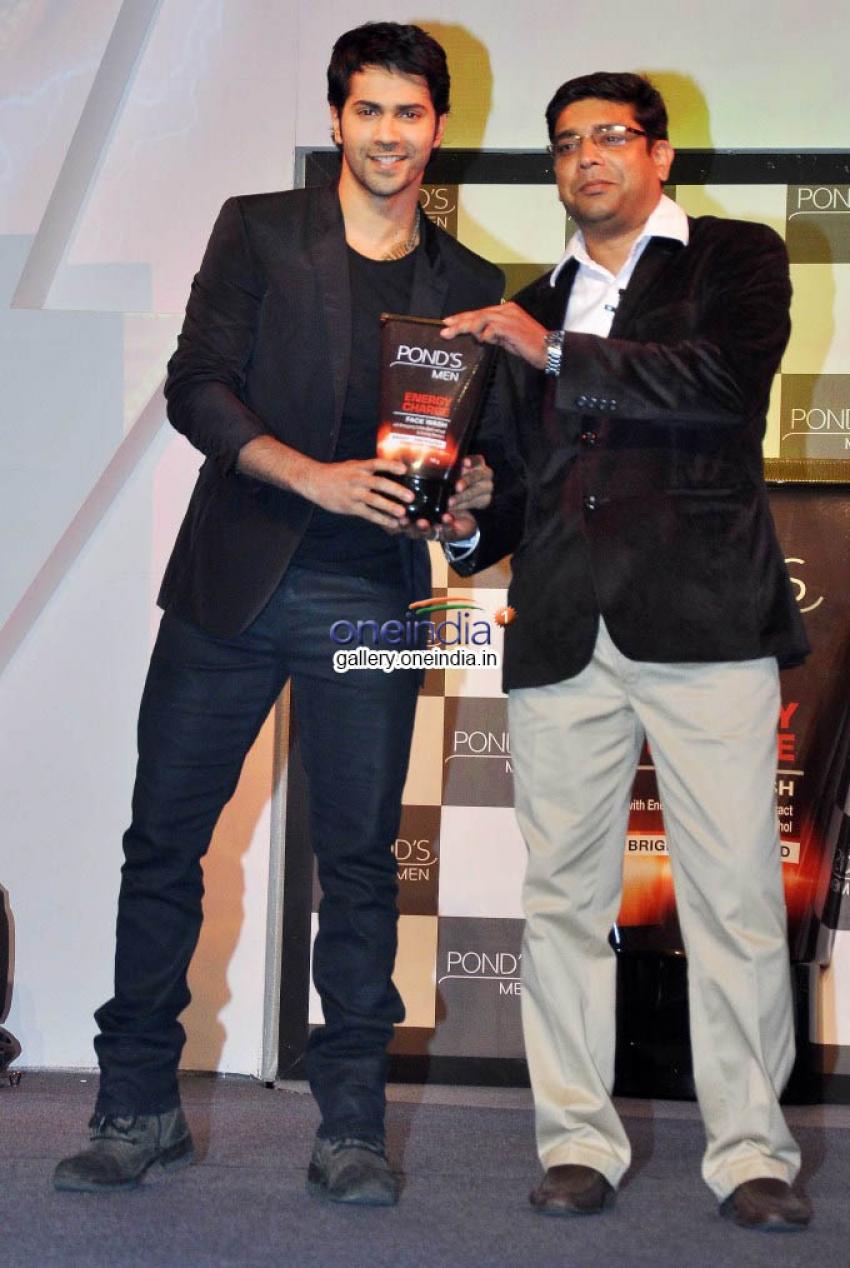 Varun Dhawan launches Ponds Men's range Photos
