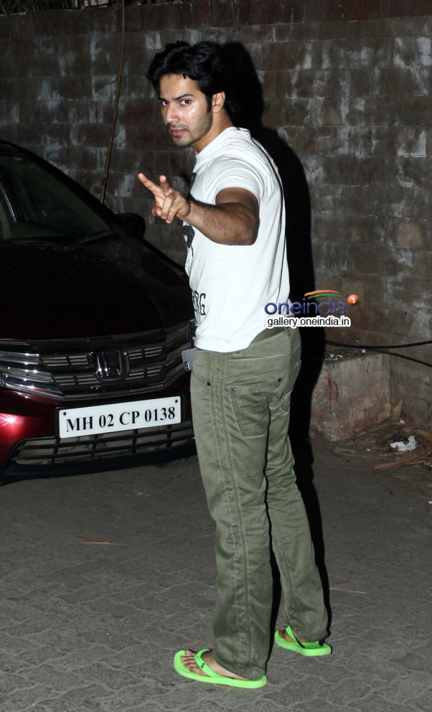 Varun Dhawan and Arjun Kapoor attends 2 States screening at Juhu Photos