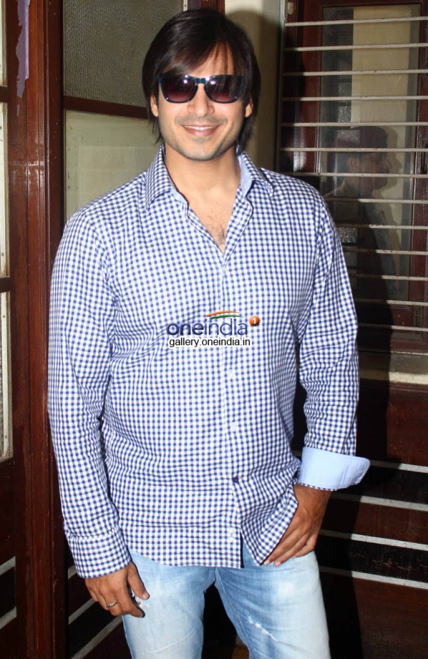 Vivek Oberoi and Vinod Kambli at Awareness Campaign Tobacco Free BESTon World No Tobacco Photos