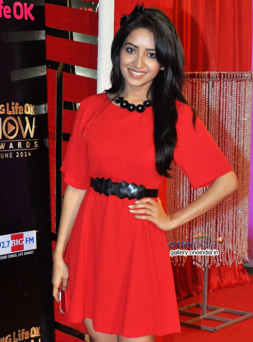 Asha Negi Photos