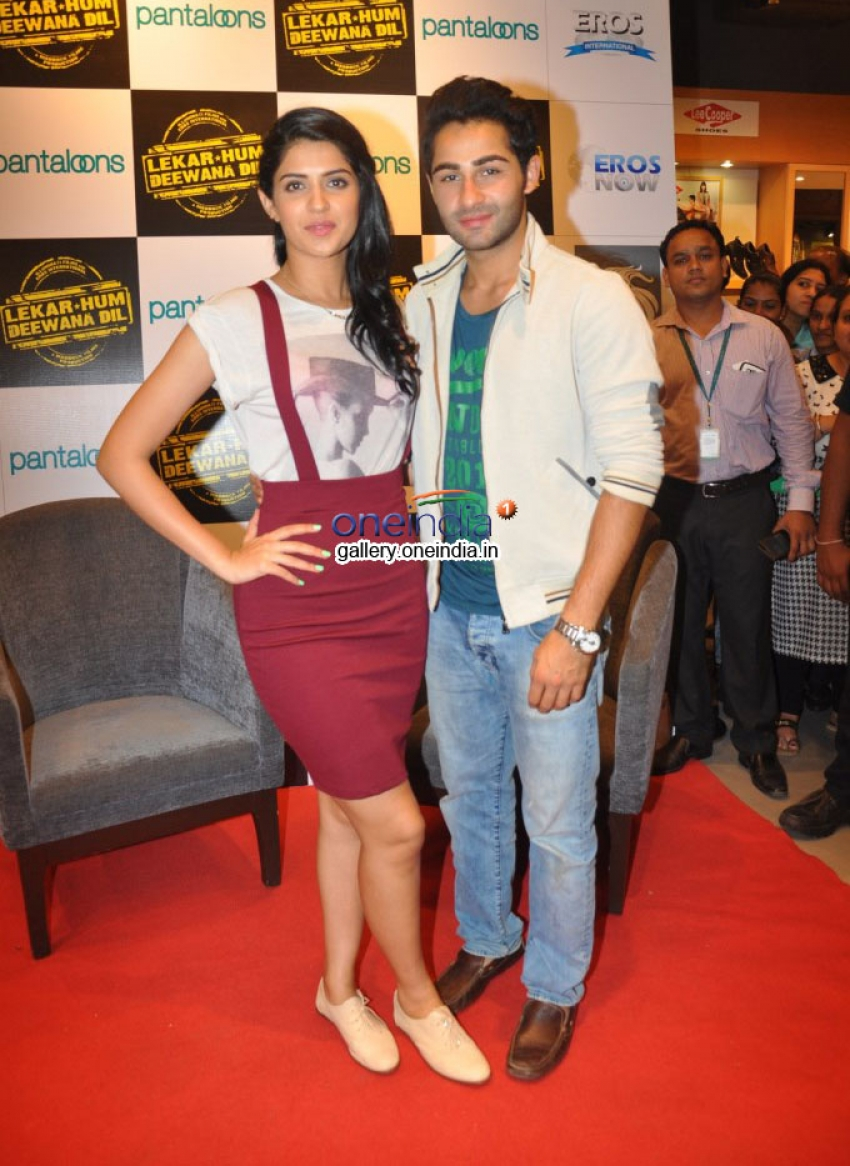 Armaan Jain and Deeksha Seth Promote Lekar Hum Deewana Dil Photos