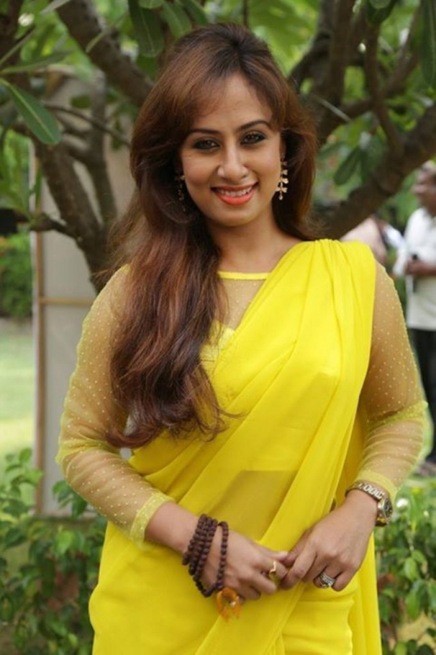 Enna Satham Indha Neram Photos