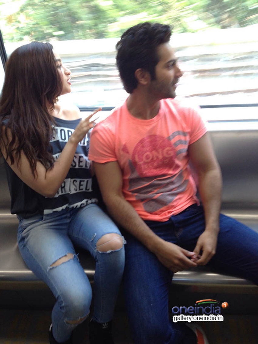 Humpty Sharma takes his dulhaniya on the Mumbai metro Photos