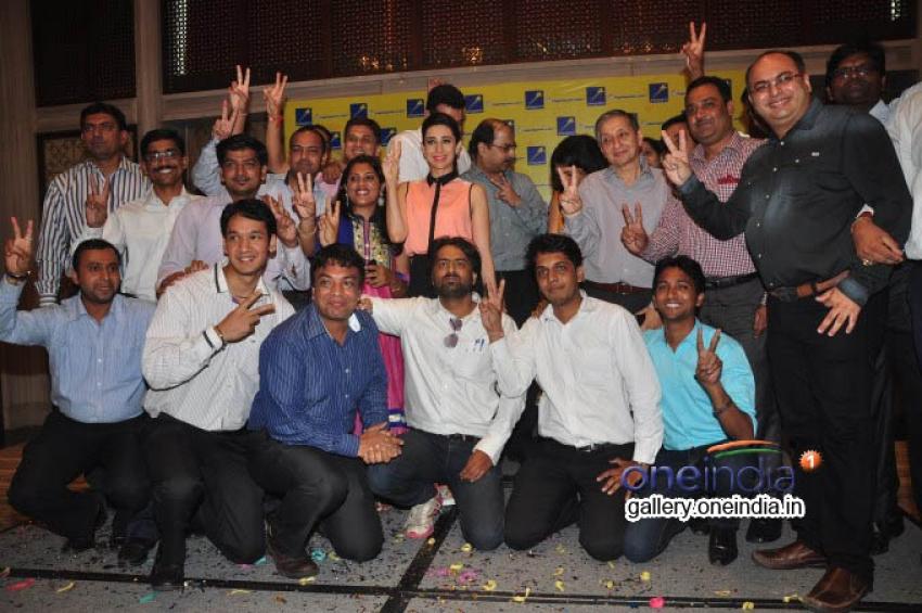 Karisma Kapoor Felicitates Jackpot Winners Photos