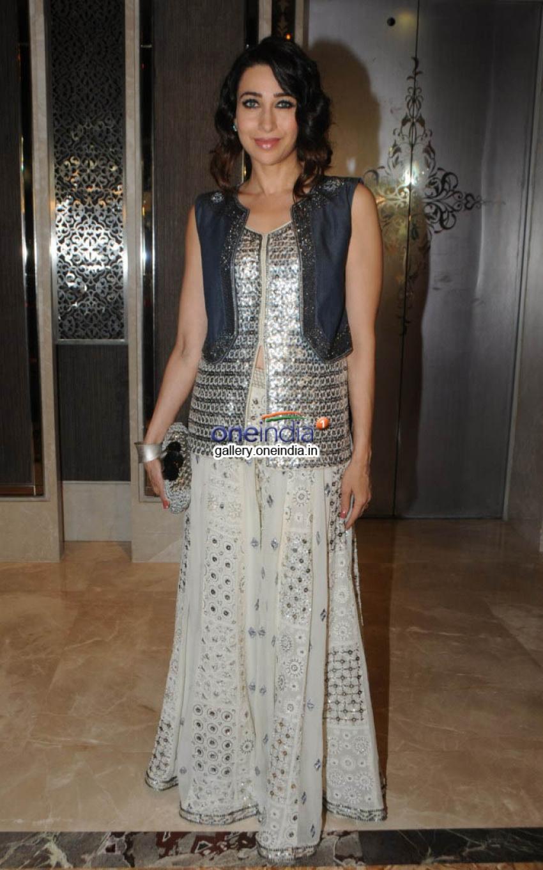 Karisma Kapoor at GLAMOUR - Jewellery Exhibition Photos