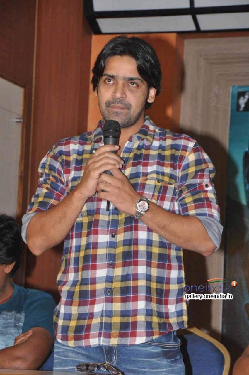 Jabilli Kosam Akasamalle Photos