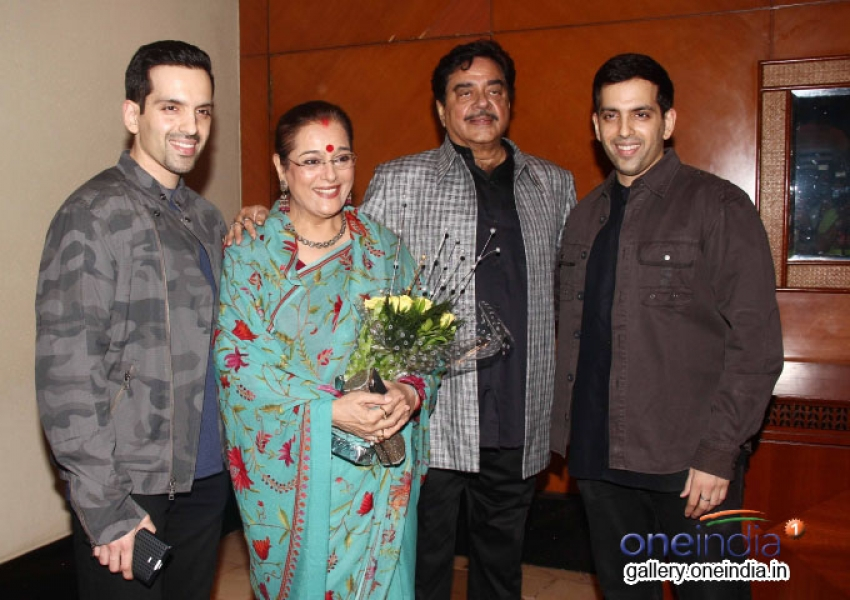 Pahlaj Nahlani celebrates Shatrughan Sinha's Lok Sabha Election Success Photos