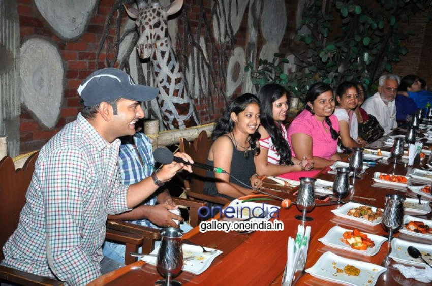 Oohalu Gusa Gusalaade Team with Radio Mirchi Winners Photos