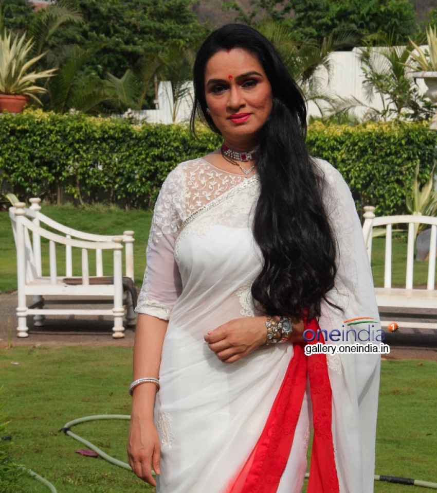 Padmini Kolhapure Photos