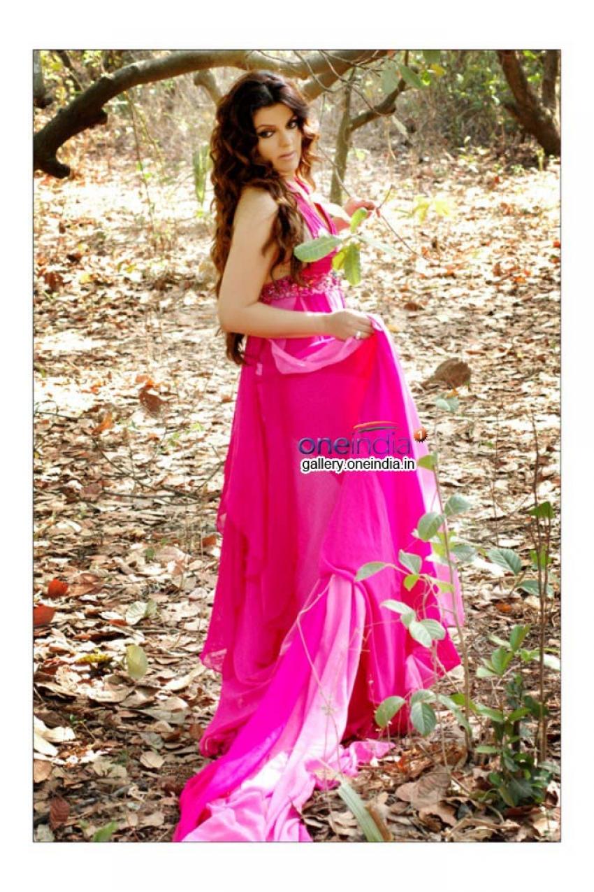 Roop Johri (Rupmatii) Photos