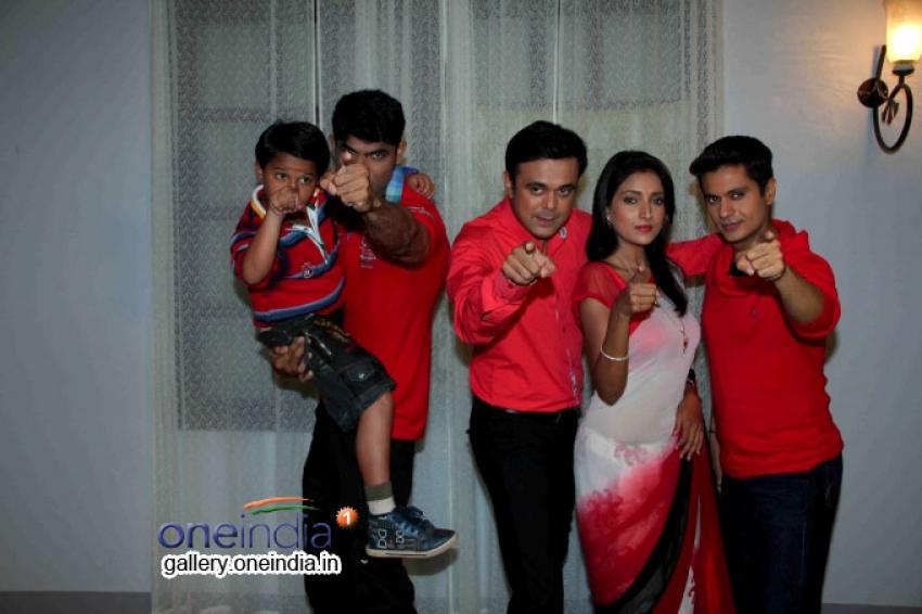 Badi Door Se Aaye Hain on location shoot Photos
