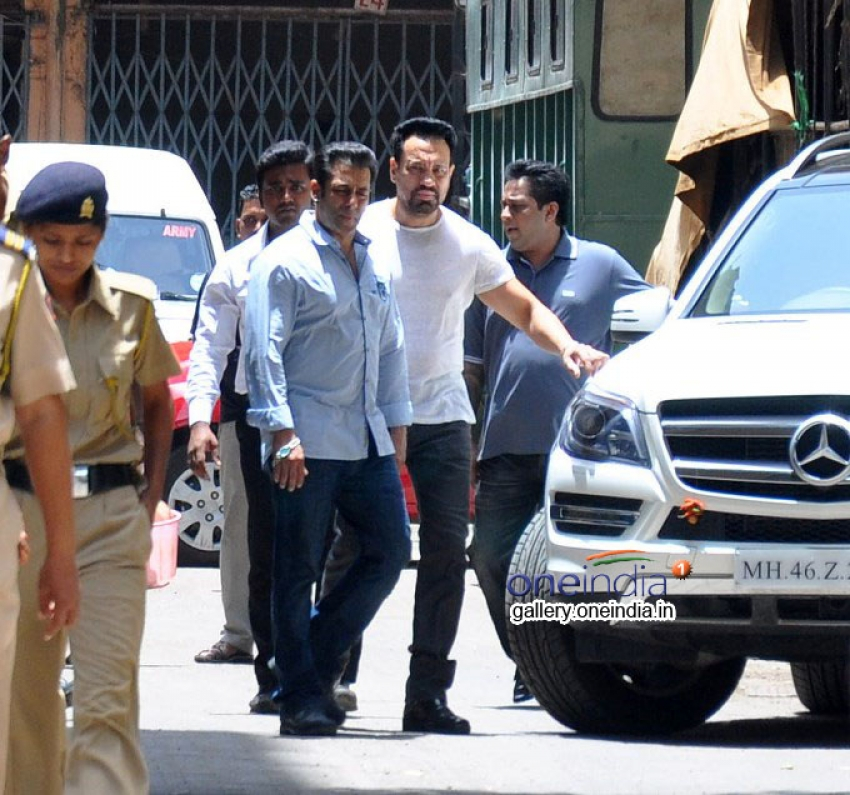 Salman Khan Hit and Run Case Hearing Photos