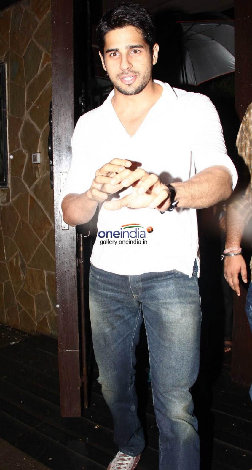 Karan Johar & Siddharth Malhotra Snapped at Raveena Tandon House Photos