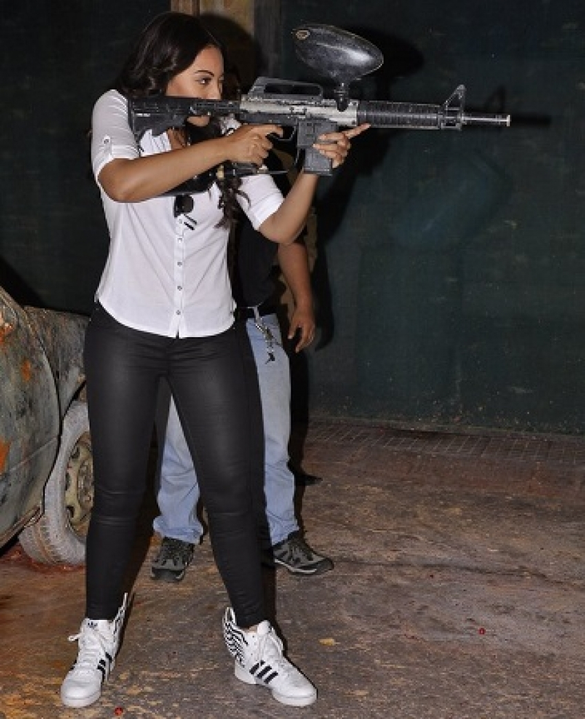 Sonakshi Sinha's day out Photos