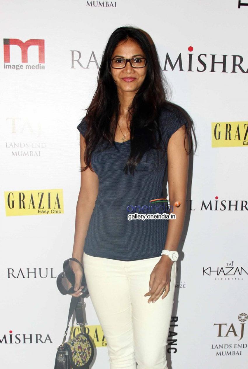 Sonam Kapoor Attended Rahul Mishra's Bash Photos