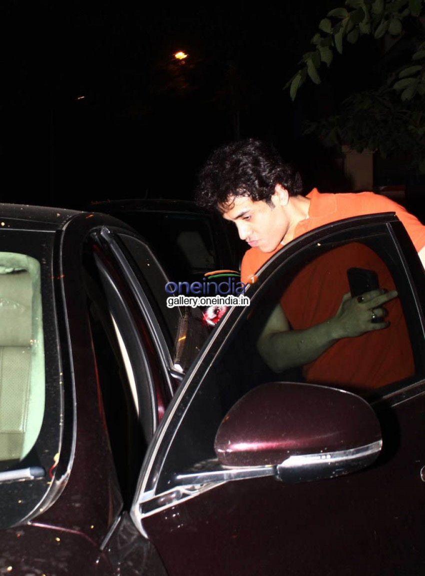 Celebs Spotted at Saif Ali Khan House Photos