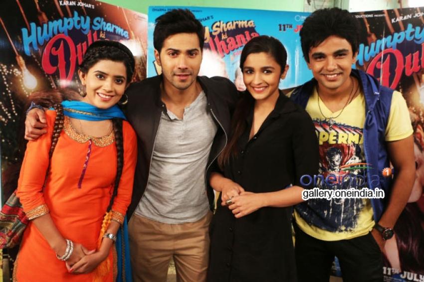 Varun and Alia promote Humpty Sharma Ki Dulhania on Nadaaniyaan Photos