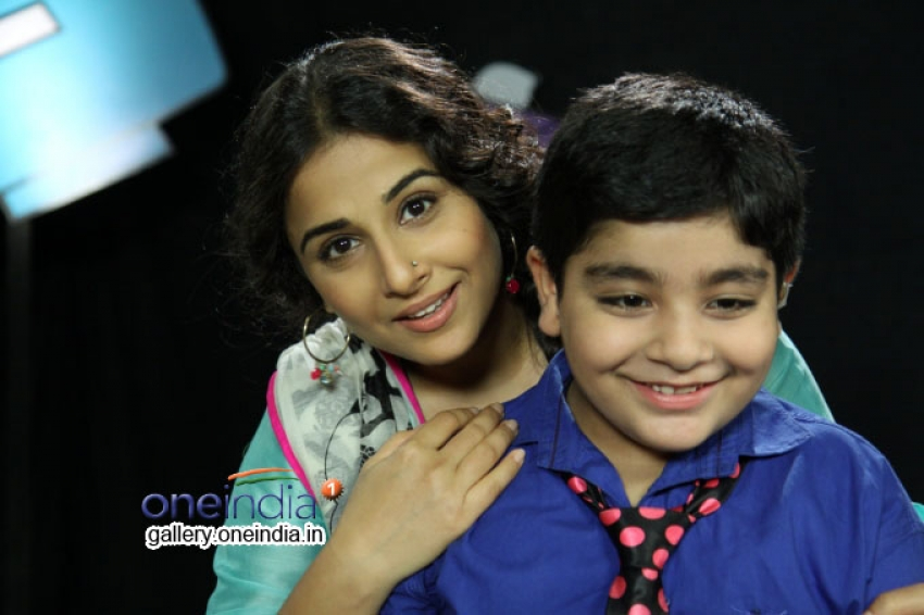 Vidya Balan on the sets of Disney's Talk Show Captain Tiao Photos